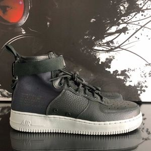 NIKE SF AF1 MID AIR FORCE 1 - OUTDOOR GREEN